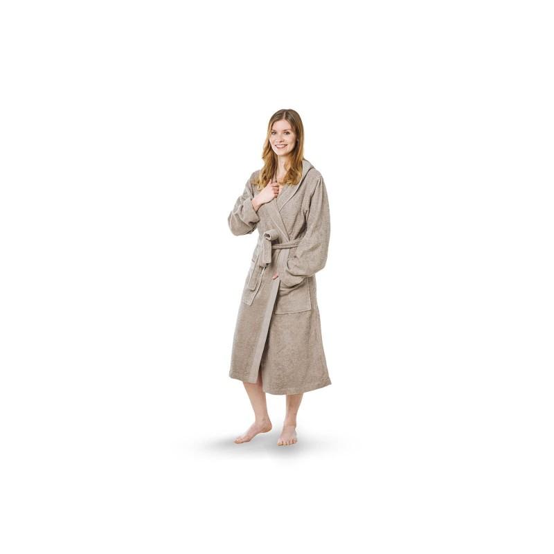Kupaonski ogrtač od visokokvalitetnog frotira s dekorativnim rubom klasičnog je izgleda i primjeren je za muškarce i žene. Veličine: S, M, L, XL.