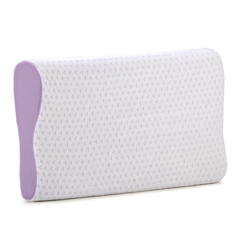 Anatomski oblik Lavender Memory jastuka od memorijske pjene je primjeren za sve koji većinoma spavate na boku ili leđima. Memorijska pjena spaja prednosti i karakteristike klasičnih jastuka i jastuka od lateksa. Potpuno se prilagođava tijelu, savršeno podupire vrat i kralježnicu te rasterećuje tijelo tijekom spavanja. Navlaka jastuka može se skinuti i prati na 40 °C.