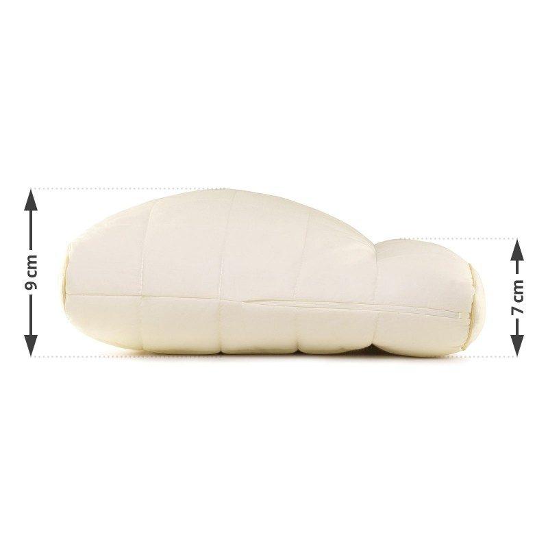 Jedinstvena kombinacija klasičnog i nižeg anatomskog jastuka Bamboo Lower Side Sleep oduževit će vas udobnošću. Jastuk možete prilagoditi prema željenoj visini i tvrdoći. Jastuk je savršeni odabir za sve osobe sa užim ramenima, koje najčešće spavaju na boku ili leđima. Jastuk je u cijelosti periv na 60 °C.