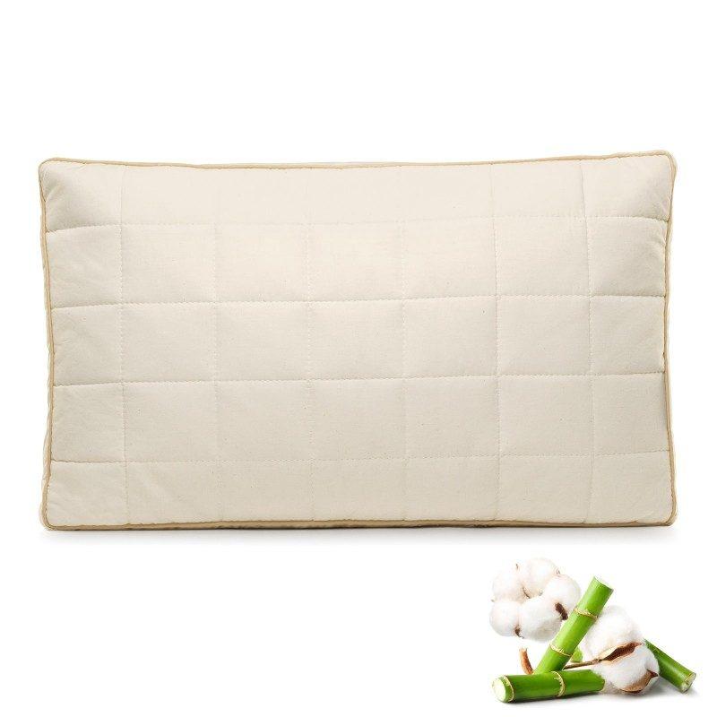 Klasičan oblik jastuka Bamboo My First Pillow za sve položaje spavanja. Jastuk je namijenjen djeci od 1. godine nadalje te je podesiv prema visini i tvrdoći. Kombinacija nebijeljenog pamuka i prirodnih bambusovih vlakana u navlaci jastuka za posebno osjetljivu dječju kožu. Jastuk je u cijelosti periv na 60 °C.