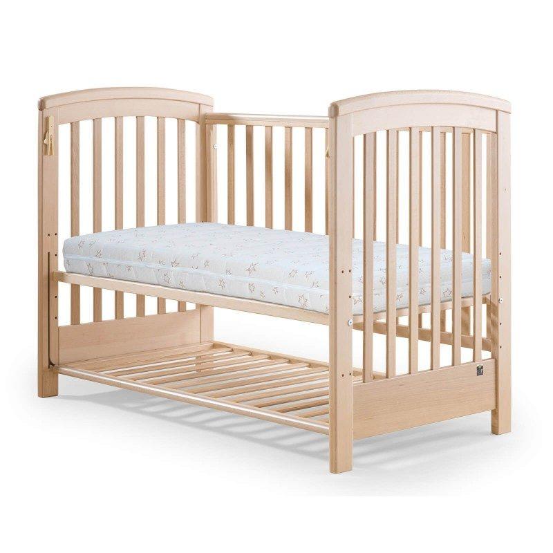 Napredni dječji madrac Junior Bamboo visok je 10 cm, pruža potpunu potporu tijelu vašeg djeteta i ispravan položaj kralježnice. Reverzibilna jezgra sastoji se od dva sloja, mekše i čvršće poliuretanske pjene koja prati djetetov razvoj. Možete jednostavno okrenuti madrac i pružiti optimalnu potporu tijelu u skladu s djetetovim rastom. Tkanina navlake sadrži prirodna bambusova vlakna koja stvaraju suho i svježe okruženje za spavanje. Navlaka se skida i periva je na 40°C.