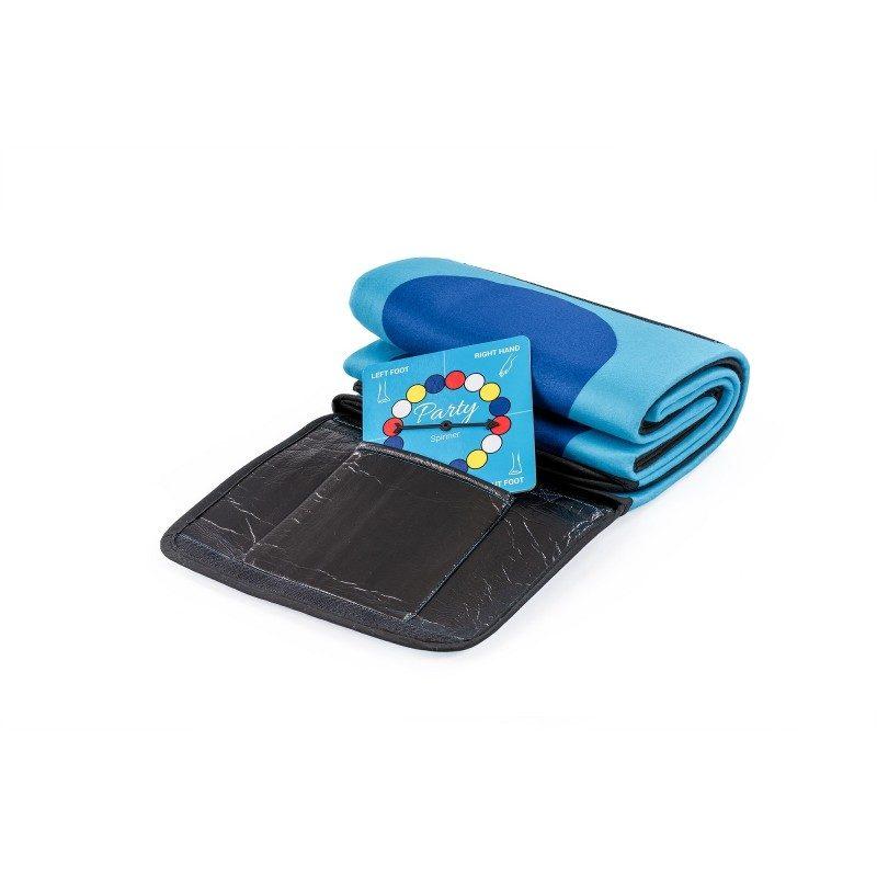 Pokrivač i podloga za igru u jednom. Mekana deka prikladna je kao podloga za piknike i druge aktivnosti na otvorenom. Istodobno, to je zabavna igra za djecu i odrasle. U dimenzijama 130 x 150 cm.