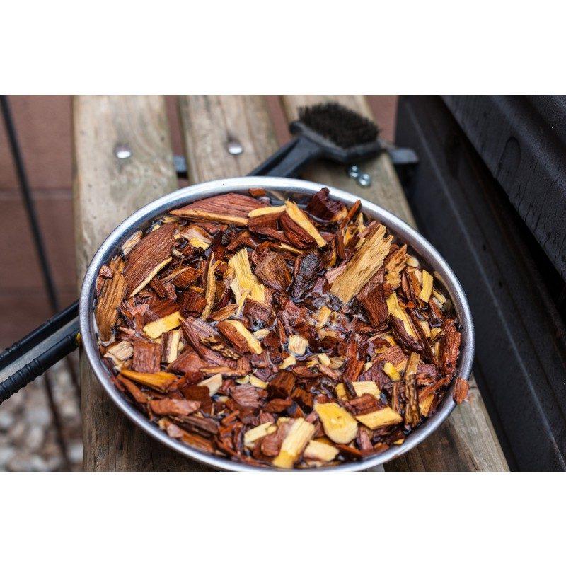 Za sve ljubitelje roštilja i savršenog pečenja! Dodajte hrani još bolji okus i aromatizirajte ju čipsom prema vašem ukusu. Aromatični čips ispušta dim koji aromatizira meso. Svaka vrsta čipsa ima drugačiji miris i također ima različit učinak na okus mesa. Okus akacije ima moćan okus i posebno je primjeren za tamno i crveno meso.