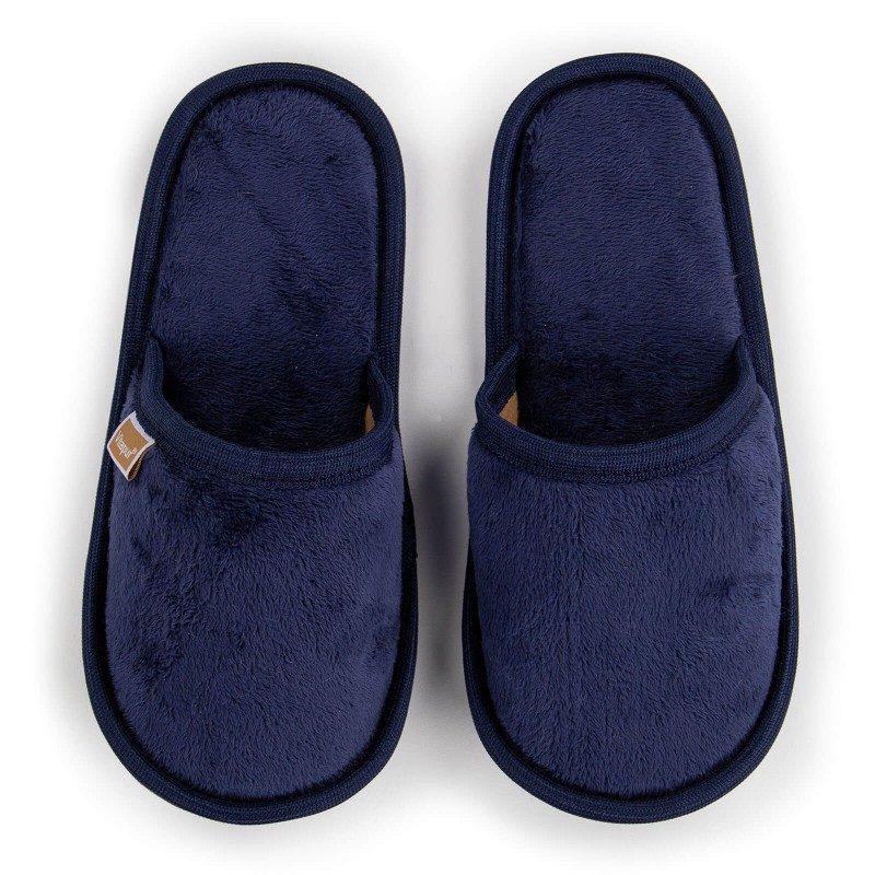 Lagan korak kako za velika tako i za mala stopala kako biste im pružili maksimalnu udobnost! Mekane papuče SoftTouch izrađene su od visokokvalitetnih mikrovlakana koji vam pružaju osjećaj mekoće i udobnosti. Jednobojne papuče boje s mekanim potplatom za sve ukuse. Dostupne su u različitim bojama, a primjeren su za muškarce, žene i djecu. Papuče se mogu prati u perilici rublja na 40 ° C.
