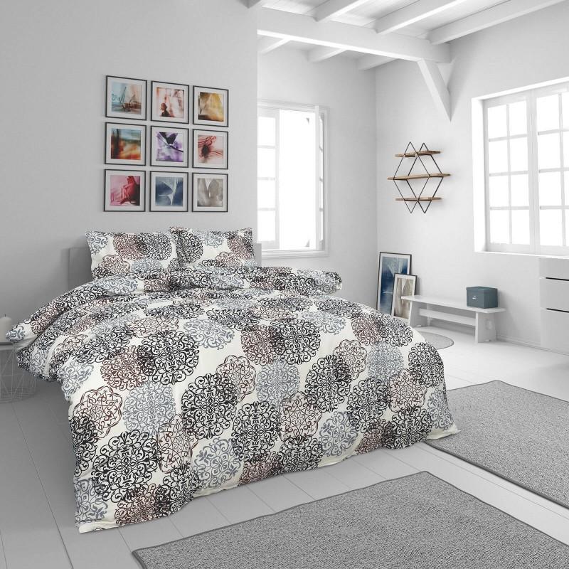 Vrijeme je za potpuno uživanje u modernim pamučnim posteljinama! Posteljina Desire od renforce platna, mekane tkanine, jednostavne za održavanje. Neka vas oduševi moderan dizajn s ornamentalnim uzorkom za udoban i ugodan san. Posteljina je periva na 40 °C.