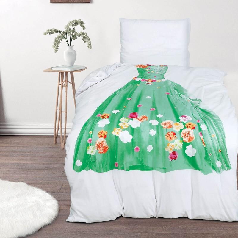 Vrijeme je za miran i udoban san vaših najmlađih! Pamučna posteljina sa zanimljivim dječjim motivom koji će zasigurno oduševiti djecu i odvesti ih u čudesnu zemlju snova. Posteljina Tiana od renforce platna, mekane tkanine, jednostavne za održavanje. Posteljina je periva na 40 C°.