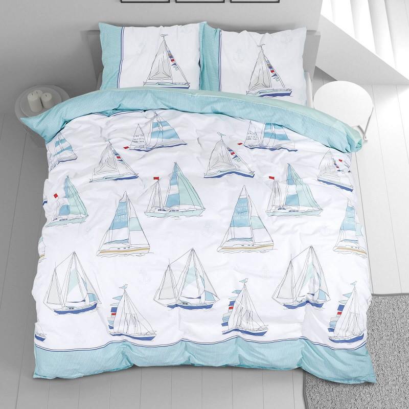 Vrijeme je za potpuno uživanje u modernim pamučnim posteljinama! Posteljina Sailing Dreams od renforce platna, mekane tkanine, jednostavne za održavanje. Neka vas oduševi moderan dizajn s printom za udoban i ugodan san. Posteljina je periva na 40 °C.