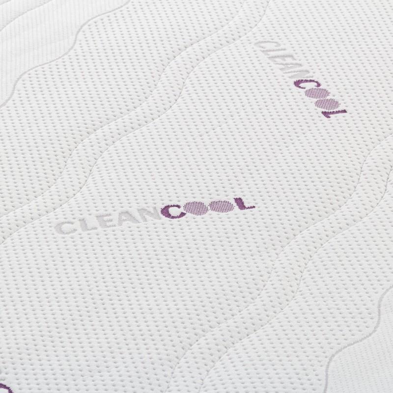 7 -zonski madrac od lateksa Hitex Clean Cool Comfort je visok 18 cm i pruža potpunu potporu vašem tijelu i udobnost te osigurava da se ujutro probudite odmorni. 100% jezgra od lateksa osigurava savršeno prilagođavanje tijelu i položaju spavanja, a osim toga, lateks održava optimalnu temperaturu i protok zraka u madracu. Navlaka madraca je odvojiva i može se prati na 30 ° C.