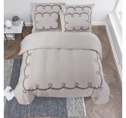 Pamučno satenska posteljina s vezenim uzorkom Svilanit Loara
