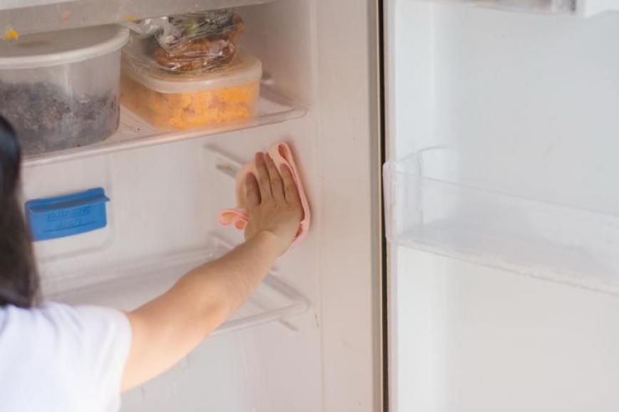 Očistite hladnjak i riješite se neugodnih mirisa